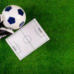 composition-de-football-avec-tableau-tactique_23-2147827622
